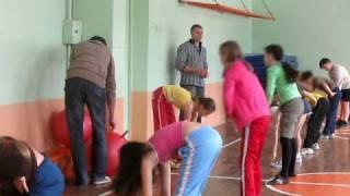 Урок физической культуры у малышей
