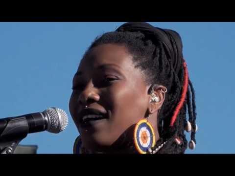 Fatoumata Diawara Live Reggae On The River - Aug 2016