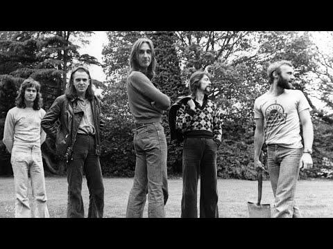 Genesis ~ The Carpet Crawlers (1974) mp3