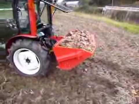 デリカ積込バケットマニア堆肥の積み込み運搬散布