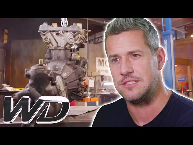 The New Engine Doesn\'t Fit Inside Ant\'s Chasis | Ant Anstead Master Mechanic