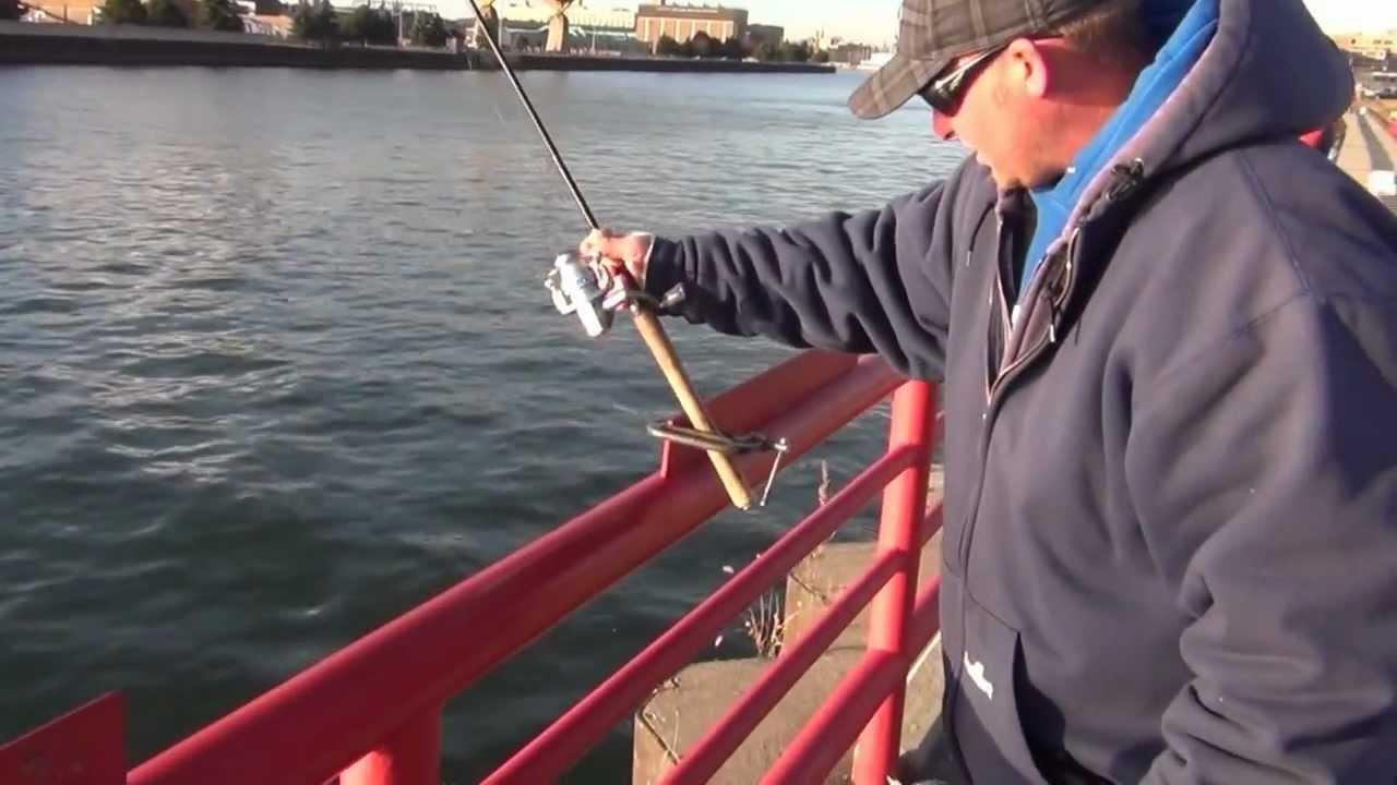 Public fishing milwaukee harbor youtube for Milwaukee harbor fishing report