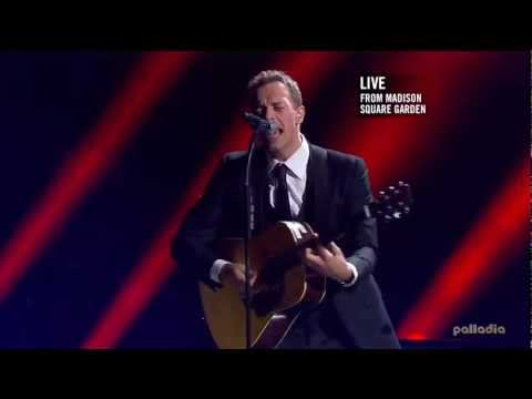 Chris Martin 121212 The Concert For Sandy Relief (HD)