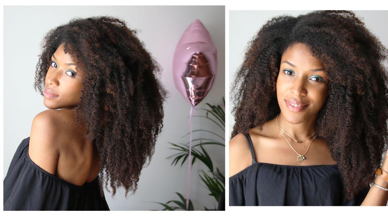 Avoir de long cheveux frises