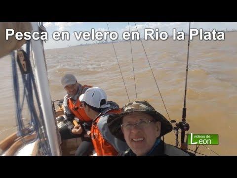 Pesca en velero en Rio la Plata