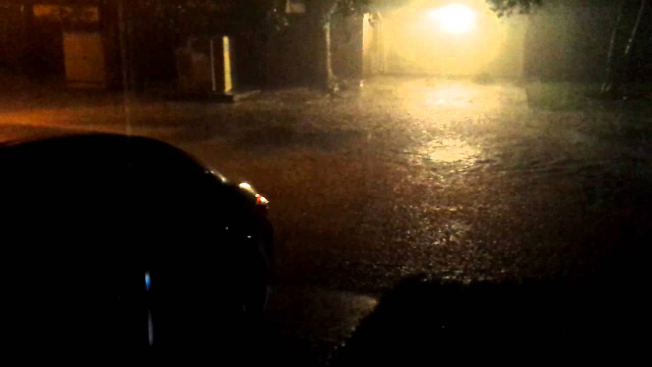 Houston local flooding Garden Oaks May 25 2015 - YouTube