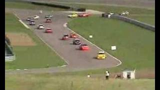 Gambar cover V8 road course debut Oct 2005