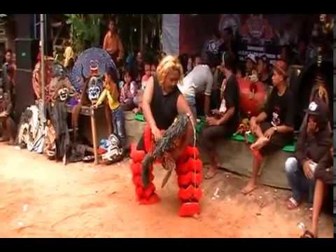 SATRYO BUDOYO Traditional art from Indonesia live perform @Bunul gg6, Malang 13/01/2018