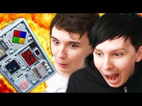 HAVING A BLAST - Dan and Phil play: Keep Talking And Nobody