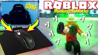 CHEATING In Weight Lifting Simulator 3 *AUTO CLICKER* (Roblox)