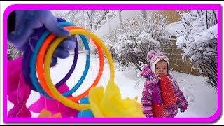 Cautam surprize!  Cercuri colorate cu surprize la Anabella Show