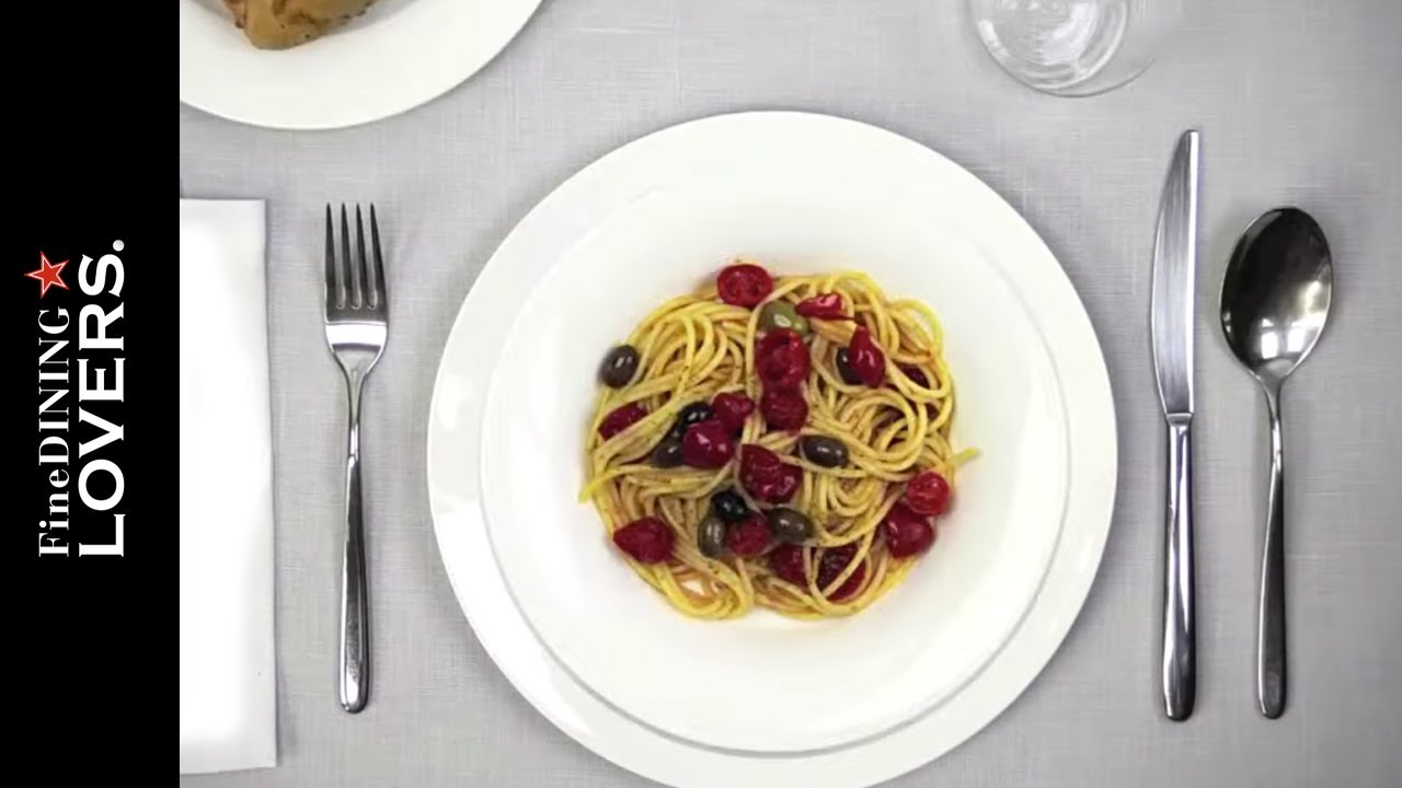 How To Eat Spaghetti   Fine Dining Lovers by S Pellegrino  amp  Acqua Panna   YouTube