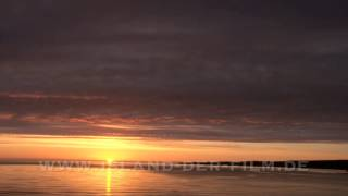 """Mittsommernacht aus """"Island - Insel der Naturgewalten"""" (Michael Marx + Beate Häutemann, DVD)"""