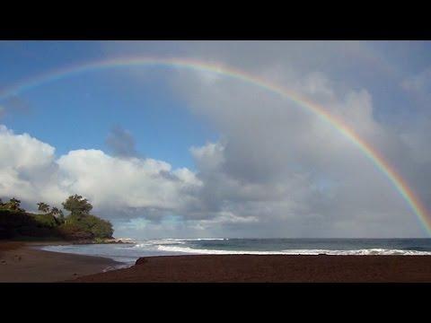 Hawaii rainbow & beautiful Haena beach (Kauai)