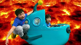 The Floor is Lava Challenge and Family Fun at Chuck E Cheese Indoor Kids Play Area