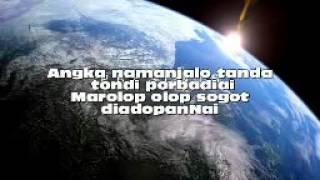 Download Mp3 Queen Anggun S.  Medley Adong Sada Mual    Marolop Olop Tondikki