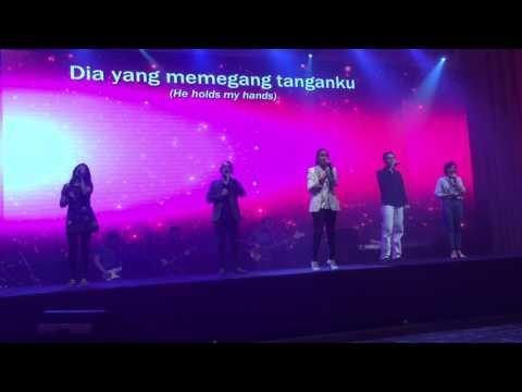 Download musik Tuhan Ada dan Melihat - Cindy Carolina & CLC Band Mp3 terbaru 2020