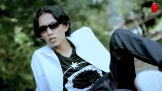 Download Video Thomas Arya   Kenangan Berbagi Sepi Official Music Video HD 2 MP3 3GP MP4