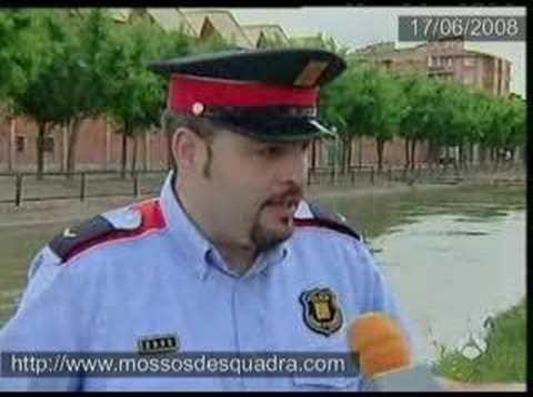 """NOTÍCIAS (A3) - Mosso salva """"xolo"""" de morir ofegat"""