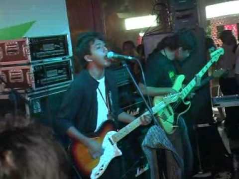 Andra and the Backbone - Main Hati (Livesounds KL Dec 2008)