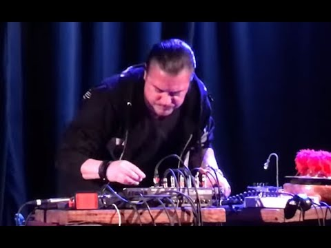Mike Patton of Faith No More and saxophonist John Zorn live video posted..