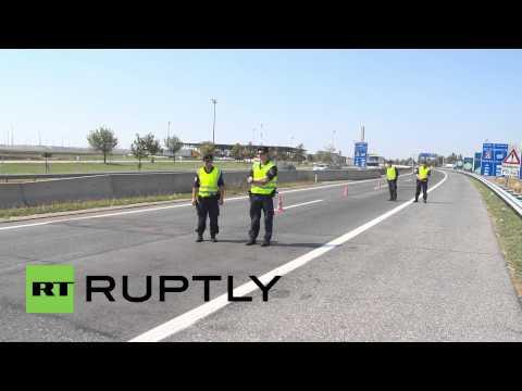 Austria: Tougher border controls create 25-km traffic jam