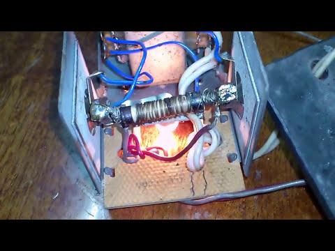 Старое зарядное устройство 6 вольт.   Antic charger 6 volts.