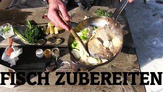Zubereitung von frischem Fisch in der Natur (Forelle) | Wanderfalke