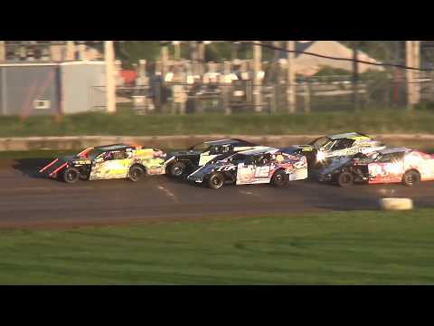 Out-Pace USRA B-Mod B-Main 1 Upper Iowa Speedway 5/28/17