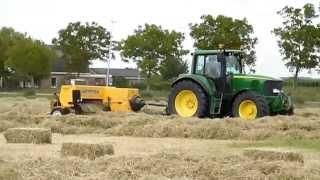 Loonbedrijf veens: Gras harken, persen, bundelen en transporteren