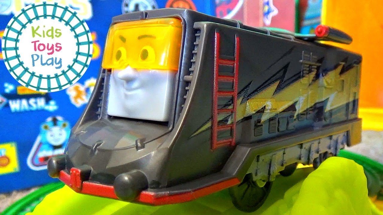 Thomas the Train Trackmaster Turbo Speed Box Set | Thomas and Friends Turbo Percy and Diesel