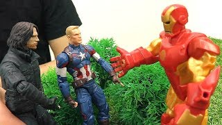 Железный Человек против Капитана Америка? Видео с супергероями.