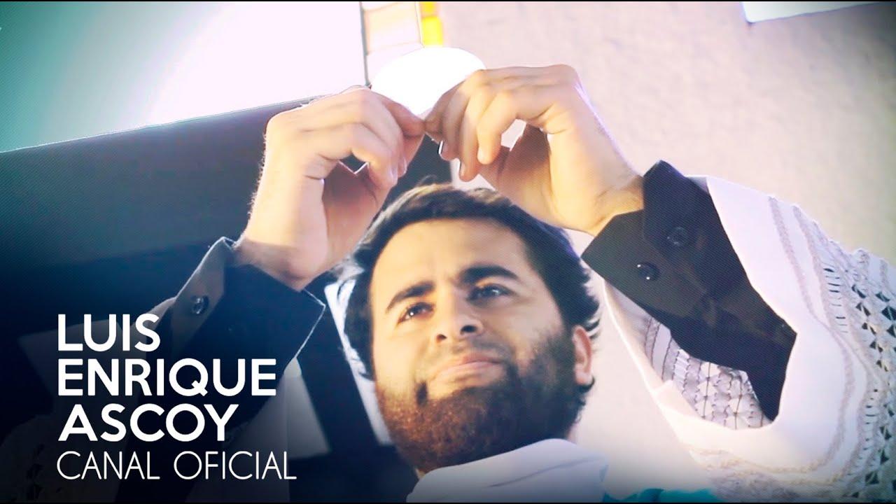 Sonríanos Padre, Sonría - Videoclip Oficial (Luis Enrique ...