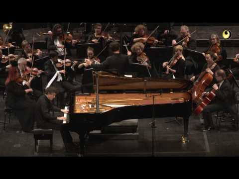 Beethoven: Piano Concerto no. 3 - Excerpt (Paul Lewis)