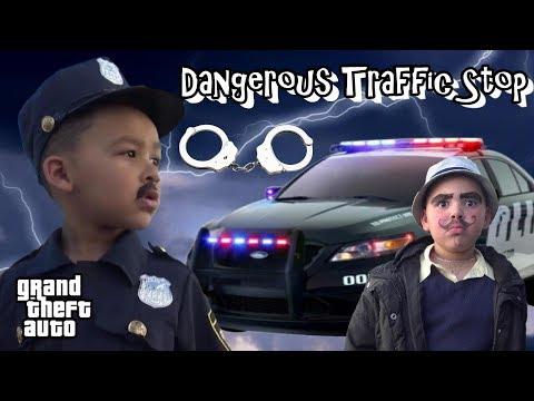 COPS AND ROBBERS - DANGEROUS TRAFFIC STOP - ESCAPED PRISONER !!! GTA POLICE
