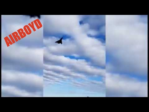 B-1 Bomber Low Pass Over Belle Fourche, SD