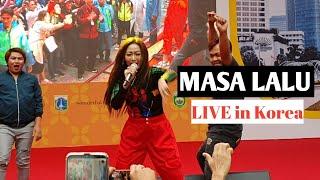 Gambar cover Masa Lalu Inul Daratista di korea selatan - live performance  (fancam) #festivalindonesiaseoul 2019