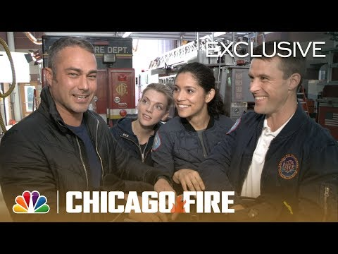Fire Tweets: Taylor Kinney And Jesse Spencer React - Chicago Fire (Digital Exclusive)