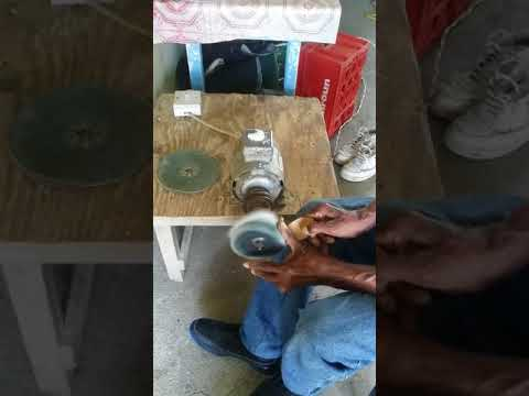 Coconut jewellery creation - buffing