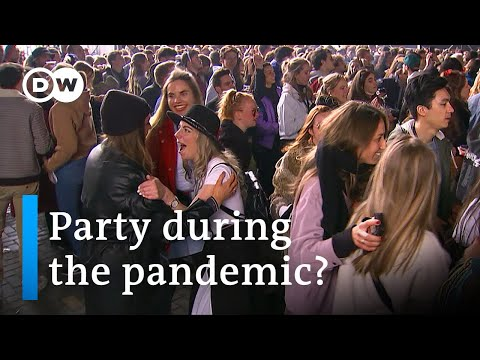Dutch look for a way to party during the pandemic | DW News
