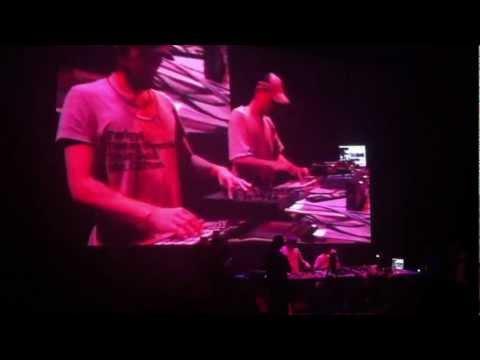 Live de HIFANA au Centre Pompidou 30/09/2011