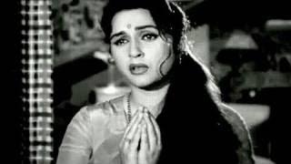 Meri Pat Raakho Girdhari - Lata Mangeshkar - GHUNGHAT - Pradeep Kumar, Bina Rai, Asha Parekh