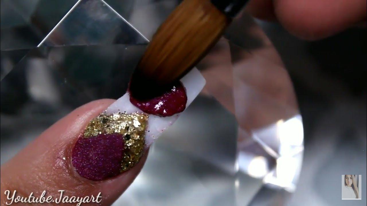 Uñas En Color Vino Y Dorado Uñas Navideñas Elegantes Jaayart