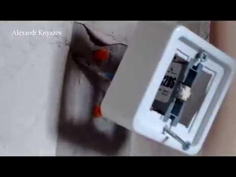 Как снять и разобрать одноклавишный выключатель света?