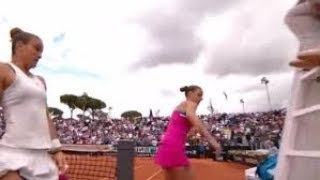 Karolina Pliskova bashes umpire's chair with racket after loss | 16/05/2018