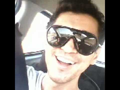 Andreas Singing Karaoke Rouvas kanoume Oneira in the car