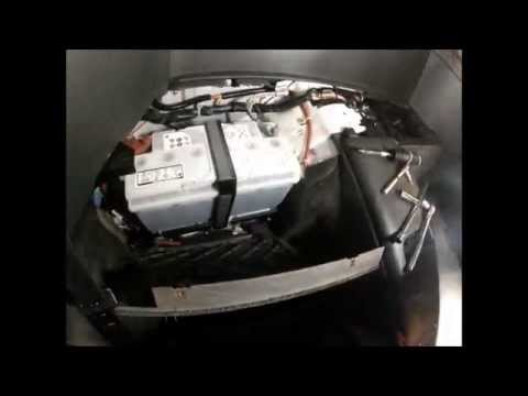 Changing the battery in an Aston Martin V8 Vantage