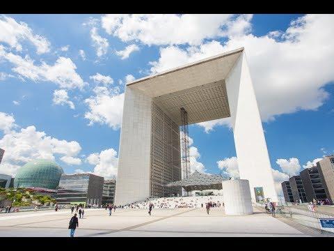 Le toit de l'Arche de la Défense ouvre au public
