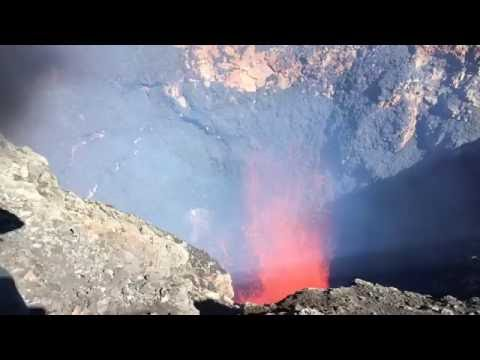 MASSIVE 300 ft. Lava Explosion video from Mouth of Villarrica Volcano in Pucon Chili April 17th 2016