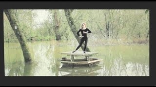 Christine and the Queens -- Narcissus is back (alternate version)